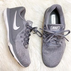 NIKE gray Flex Supreme TR 6 running shoes 7 WIDE
